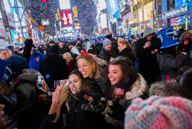 Celebración en Times Square, Nueva York, con la llegad del nuevo año. By CHRISTOPHER GREGORY (AFP)