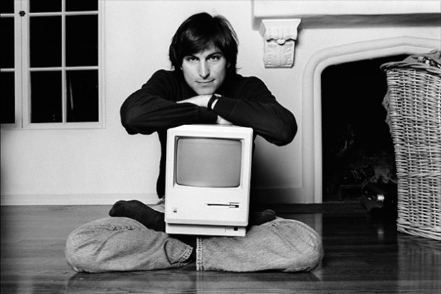 EBDLN-stevejobs-Macintosh
