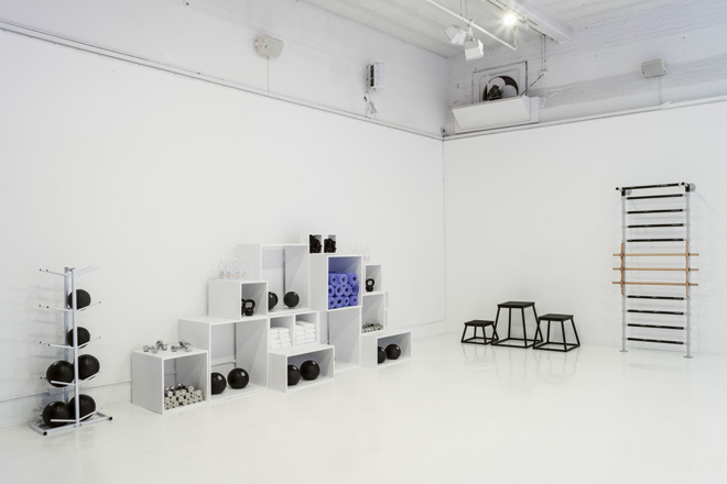 EBDNL-robert-storey-studio-for-nike-womens-7